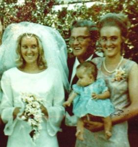 Greetje & twin sister, Ellie, and Ernst Jaspers
